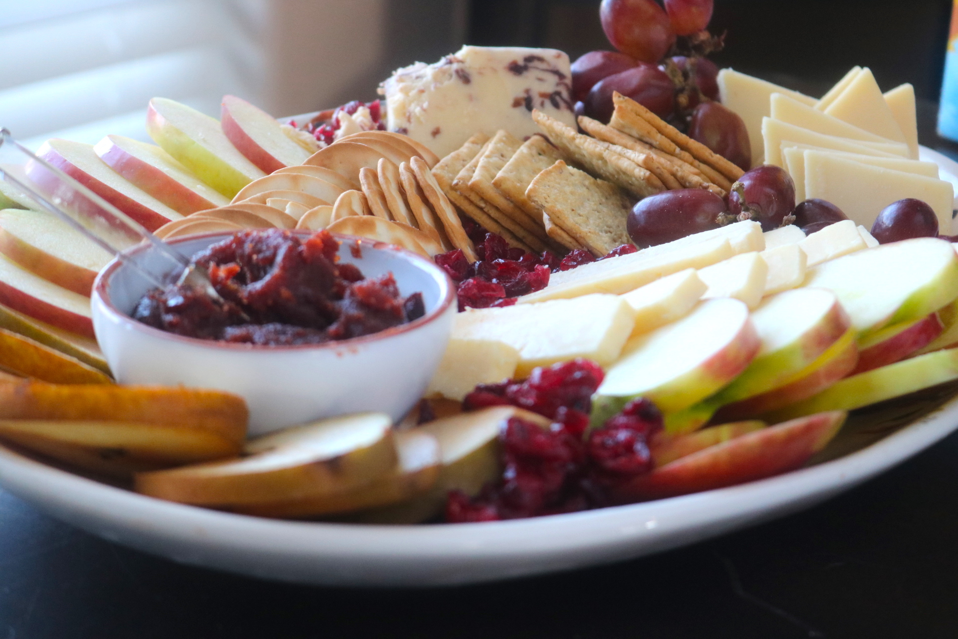 how to prepare a fruit and cheese platter