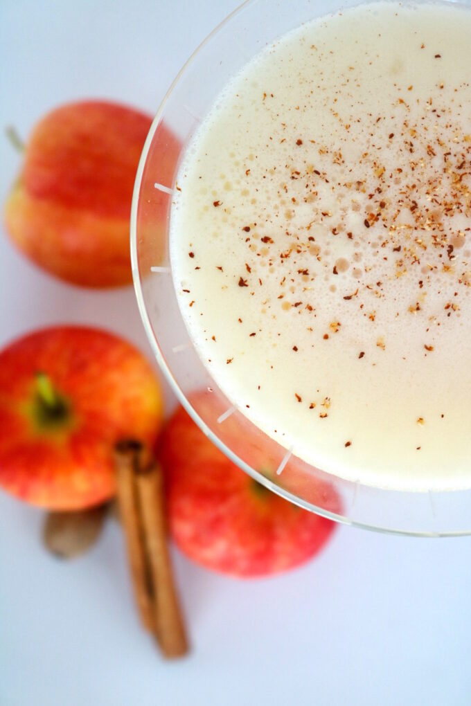 A simple and festive cocktail mimicking the flavors of apple pie, featuring vodka, Horchata liqueur, and apple cider.