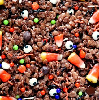 Easy Halloween Treat | Spooky Cocoa Krispie Treats