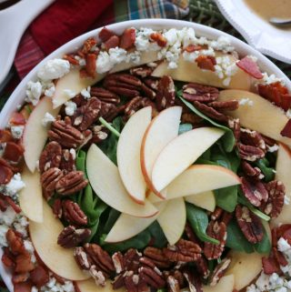 Salad with Apples, Bacon and Blue Cheese | Recipe