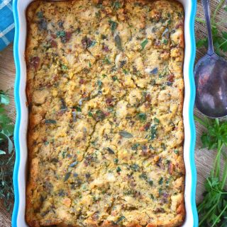 Old-Fashioned Cornbread Dressing