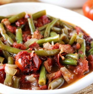 Southern Stewed Green Beans with Tomatoes