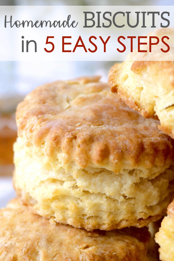 A quick and simple recipe for Homemade Southern Biscuits that bake up perfectly golden on the outside, flaky and buttery on the inside. #biscuits #homemadebiscuits #southernbiscuits #breakfastrecipes #sidedishrecipes #southernsidedishrecipes