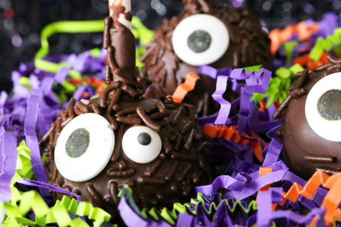 Monster Halloween Cake Pops